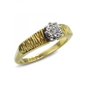 18ct Tree Bark Vintage Ladies Gold Diamond 0.10ct Ring Size N