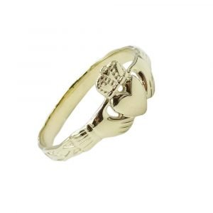 Gold Claddagh Ring Celtic Pattern 9ct